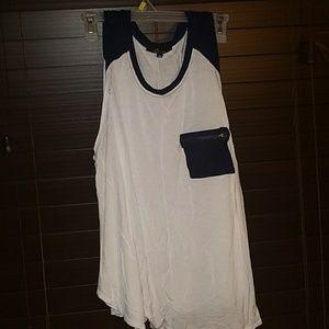Sleeveless Shirt with Zipper pocket
